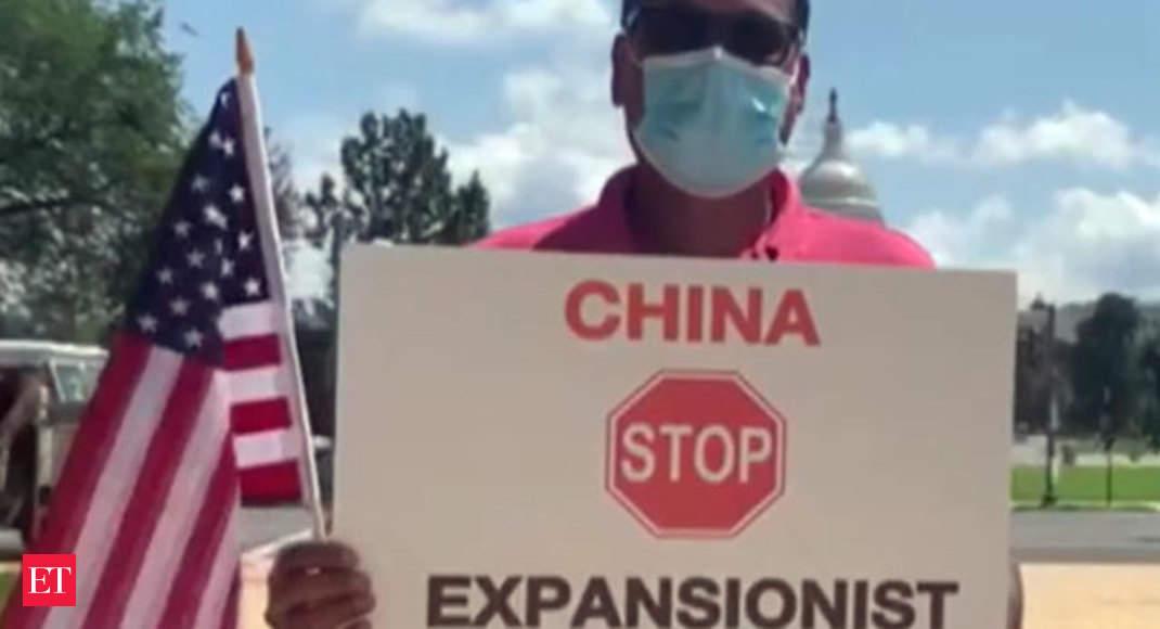 تماشا کنید: تظاهرات اعتراض آمیز آمریکایی-هندی ها علیه چین در خارج از کپیتول هیل در واشنگتن دی سی – ویدئو اقتصادی تایمز