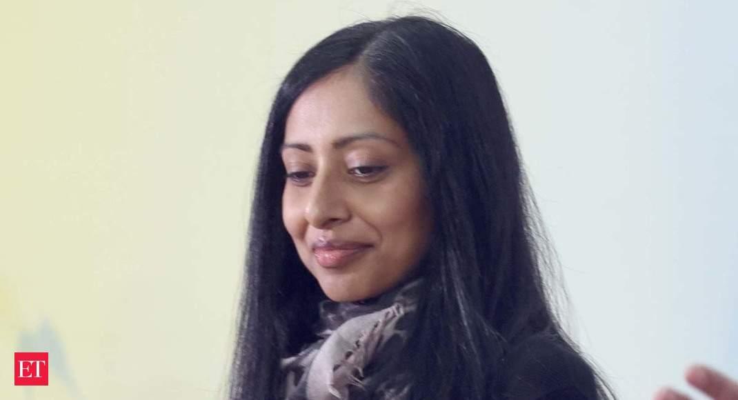 2020 مسابقه جایزه بوکر نویسنده هند منشاء Avni دوشی لبه را به یک نزدیک